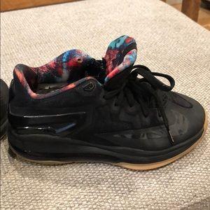 Lebron Nike Sneakers